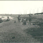 Пляж на насыпе Варваровского моста.
