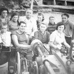Работники трамвайного депо на отдыхе. 50-е годы. Из семейного архива В.Мельникова.