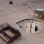 Ревизионный канализационный колодец уже почти готов.