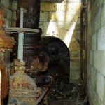 Трубопровод подачи воды в резервуар водонапорной башни.