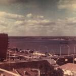 Варваровский мост, 1965 год. Дальше виден старый наплавной мост.