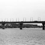 Варваровский мост. Вил с реки.