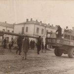 Восстановление стадиона на Темводе. Субботник. Послевоенное фото.
