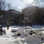 Зима в театральном дворике.