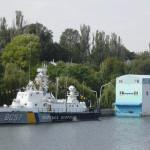 2010 год. Катер ВМС Украины и океанариум на набережной.