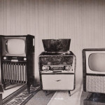 "Первый слева - телевизор ""Алмаз-102"", второй слева -  телевизор ""Рубин - 202"", крайний справа телерадио комбайн ""Беларусь - 6""."