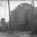 Бак водонапорной башни на земле. 1944 год.