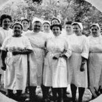 Группа медперсонала. На переднем плане старшая медсестра Ривкина Ц.Г. 1960 год.