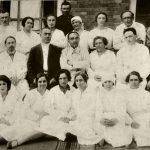 1927 год.  Второй ряд (слева направо): второй - врач Андреев, четвертый - проф. Белецкий, пятая - врач Куперман, шестой - врач Перельман.