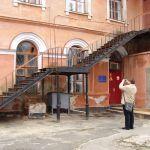 Наружная чугунная лестница в морском госпитале