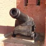 Пушка в детском городке Сказка