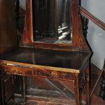Водолечебница Кенигсберга. Старинное зеркало.