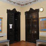 Водолечебница Кенигсберга. Лепнина и двери.