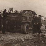 Восстановление стадиона на Темводе. Субботник. Послевоенное фото. 3
