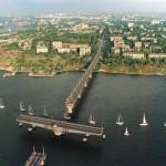 Варваровский мост во время прохождения парусной регаты.